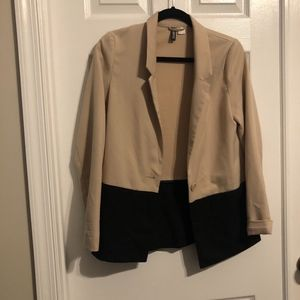 Color Block Cream & Black blazer
